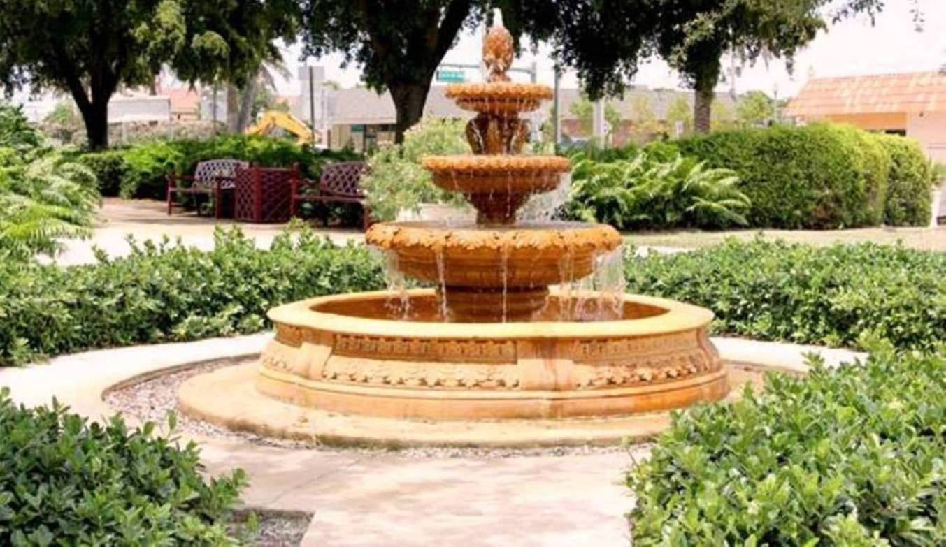 Lake Worth Fountain 2